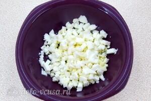 Картофельный салат с морской капустой и сельдью: фото к шагу 3.