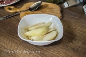 Теплый салат с грушей и хамоном: фото к шагу 2.