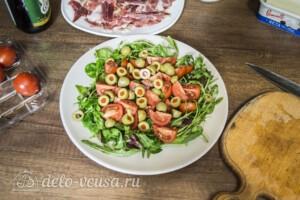 Салат с хамоном и сыром Фета: фото к шагу 3.