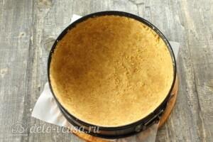 Творожный торт без выпечки: фото к шагу 4.