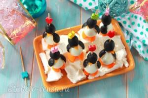 """Канапе """"Пингвины"""" из маслин: фото к шагу 8."""