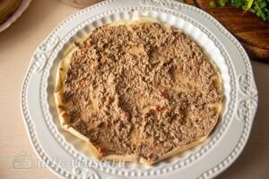 Блинный торт с печенью: фото к шагу 11.