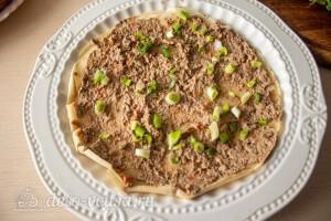Блинный торт с печенью: фото к шагу 12.