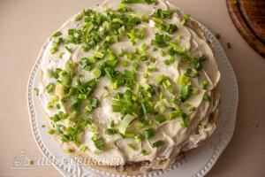 Блинный торт с печенью: фото к шагу 13.