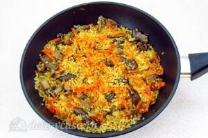 Булгур с овощами и вешенками: фото к шагу 8.