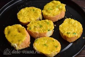 Гренки с сыром по-валлийски: фото к шагу 6.