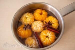 Мандарины в пряном сиропе: фото к шагу 5.