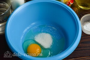 Панкейки на воде с содой: фото к шагу 2.