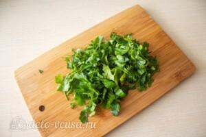 Блинный салат с куриной печенью: фото к шагу 10.
