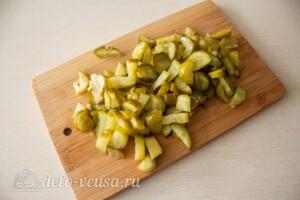 Блинный салат с куриной печенью: фото к шагу 9.