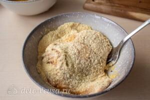 Шницель из свинины на сковороде: фото к шагу 6.