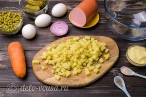 Вареный картофель режем кубиком