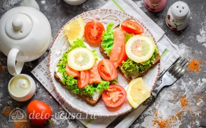 Бутерброды с семгой и плавленым сыром