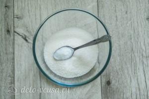 Соединяем сахар с ванильным сахаром