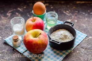 Драники из яблок с корицей: Ингредиенты