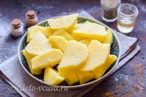 Режем картошку кусочками