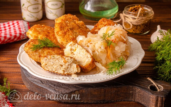 Куриные котлеты с квашеной капустой на сковороде: фото блюда приготовленного по данному рецепту