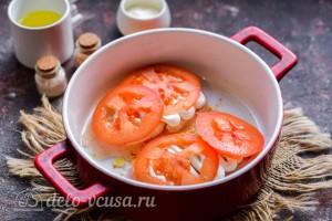 Укладываем сверху ломтики помидоров
