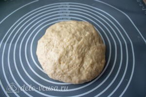 Замешиваем эластичное тесто