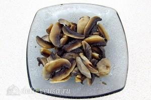 Режем грибы пластинками