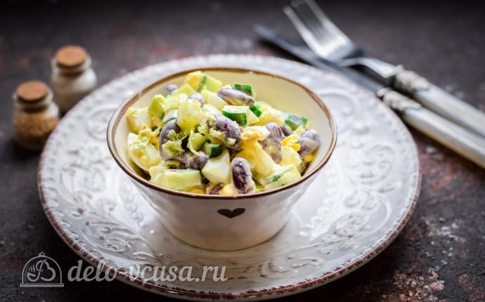 Салат «Пятиминутка» с фасолью и огурцом