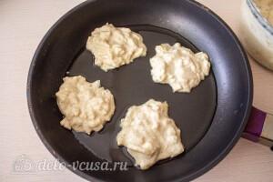 Жарим на раскаленной сковороде с маслом