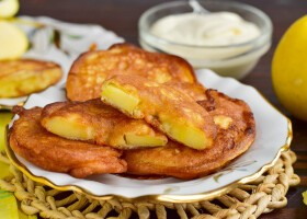 Рецепт яблочные пончики на скорую руку