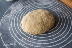 Замешиваем мягкое и эластичное тесто