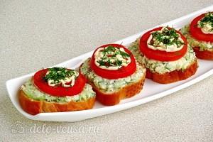 Бутерброды Ностальгия с помидорами готовы