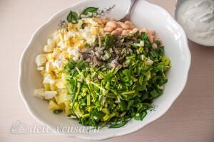 Соединяем овощи и зелень