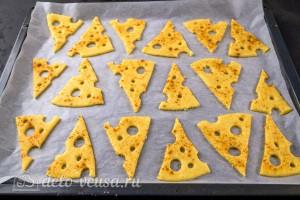 Перекладываем печенье на противень