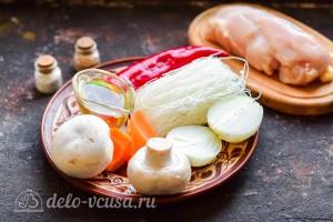 Фунчоза с курицей, грибами и овощами: Ингредиенты