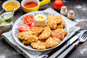 Куриные наггетсы на сковороде готовы