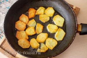 Обжариваем картошку на сковороде