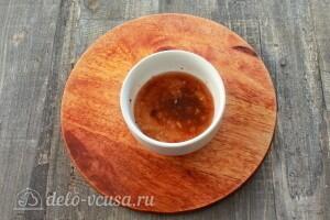 Готовим маринад из масла, специй и уксуса