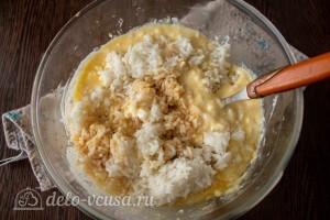Добавляем остывший вареный рис