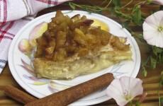 Творожно-яблочный пирог из лаваша готов