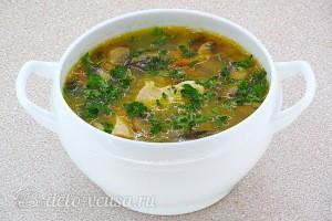 Гороховый суп с курицей и шампиньонами готов