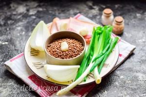 Гречневая каша с беконом и луком на сковороде: Ингредиенты