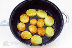Переворачиваем картошку на другую сторону