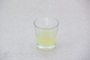 Добываем лимонный сок и отмеряем 25 мл