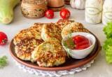 Куриные котлеты «Антикризисные» с кабачком и картошкой