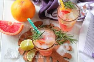Освежающий и тонизирующий лимонад с грейпфрутом и розмарином готов
