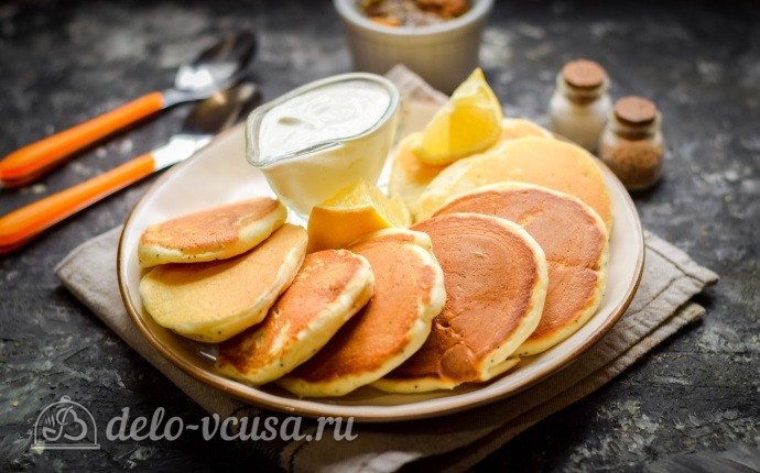 Лимонные панкейки с семенами чиа