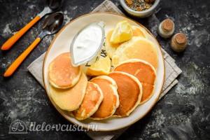 Лимонные панкейки с семенами чиа готовы