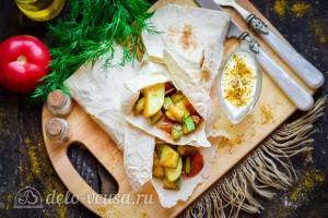 Овощное рагу в лаваше готово