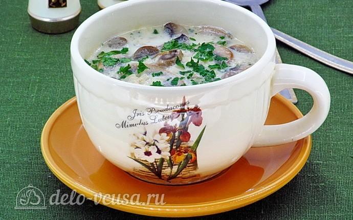 Рисовый суп с шампиньонами и плавленым сыром