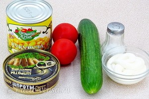 Салат «Светофор» со шпротами и кукурузой: Ингредиенты