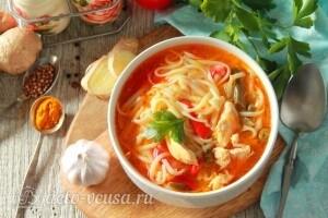 Тибетский суп Тхукпа с курицей готов