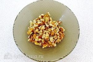 Грецкий орех измельчаем